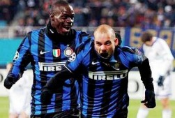 Mario Balotelli and Wesley Sneijder wanted by Manchester United !